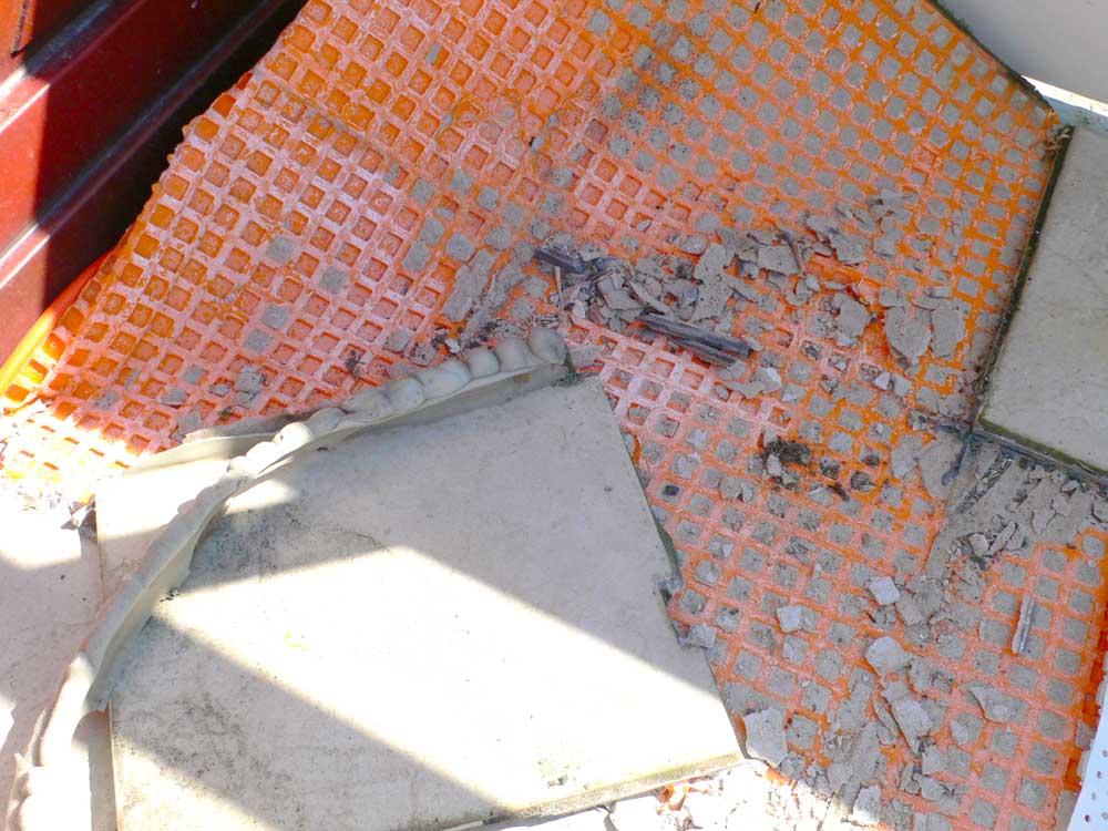 Feuchteschaden bei fehlerhafter Balkonsanierung