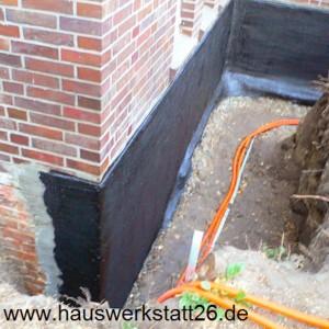 1-Kiesol-Schlaemme-grau-vorne-links-zwei-Arbeitsgaengen-aufbringen-Hohlkehle-bearbeiten-Weitzenkamp-Oldenburg