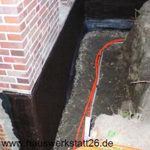 2-Abdichtung-mit-kunststoffmodifizierter-Bitumendickbeschichtung-KMB-vier-mm-in-zwei-Arbeitsgaengen-Weitzenkamp-Oldenburg