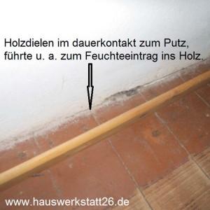 2-Dielenbretter-bis-ans-Mauerwerk-verlegt-Bretter-ueberwiegend-morsch-Hemelingen-Sachverstaendiger