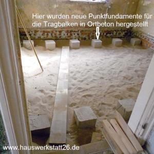 6-Punktfundamente-in-Ortbeton-fuer-die-Tragbalken-des-Fussbodens-Bemen-Hemelingen-hier-auch-als-Handwerker