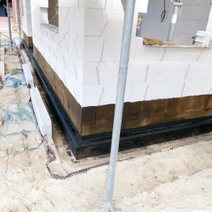 Fusspunktabdichtung-Abdichtung-mit-Gefaelle-Bausachverstaendiger-Baubegleitung-Bremen-Rastede