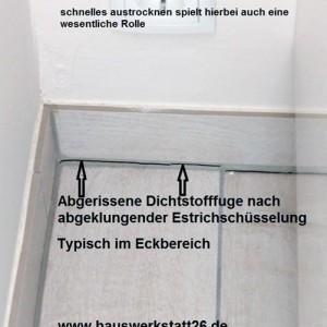 Abgerissene-Dichtstofffuge-nach-abgeklungener-Estrichschuesselung