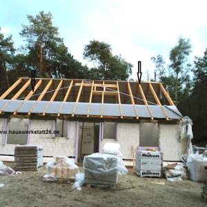 1-Dachsparren-mit-Holzschutz-getraenkt