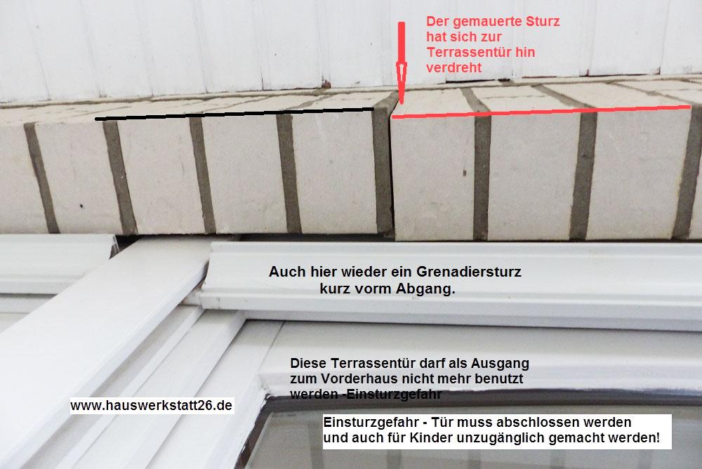 Riss-ueber-Terrassentuer